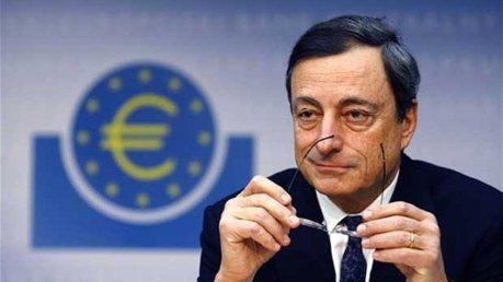 """Mario Draghi: """"governi si impegnino per la crescita"""", inflazione ferma allo 0,2%"""