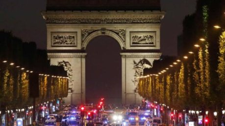 attentato parigi Champs-Elysées